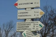 Červená na Nové Strašecí - směr putování...